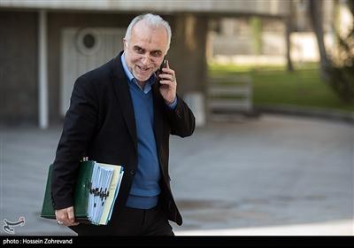 فرهاد دژپسند وزير امور اقتصادی و دارایی