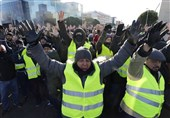 Striking Taxi Drivers in Standoff with Police in Madrid