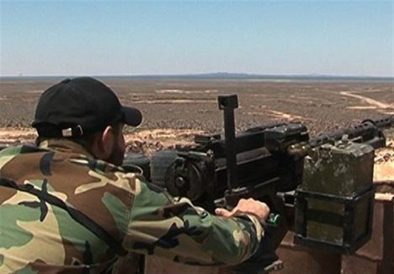Syrian Army Forces Continue Battle against Militants in Southern Idlib (+Video)