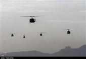 پرواز بالگردهای ارتش بر فراز محل برگزاری رژه در تهران + تصاویر