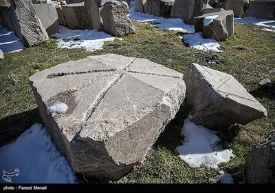 طبق نوشتههای تاریخی، این معبد به عنوان آتشکدهای برای احترام و پاسداشت مقام الههی آب( آناهیتا) مورد استفاده قرار میگرفت