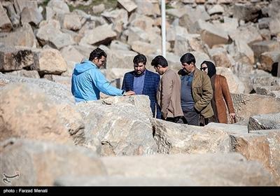 معبد آناهیتا در شهر کنگاور از توابع استان کرمانشاه قرار گرفته است