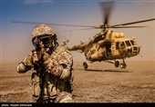 IRGC's Fateheen Special Forces Take Aerial Practice
