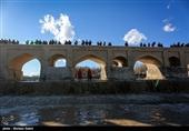 اصفهان| توزیع آب از سد زایندهرود تا انتهای کشت بهاره ادامه دارد؛ ذخیره613 میلیون متر مکعبی آب