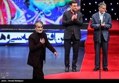 مجید انتظامی فرزند زندهیاد عزتالله انتظامی در مراسم افتتاحیه سیوهفتمین جشنواره فیلم فجر