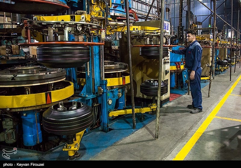 « 70 خوان تولید»|فعال صنعت لاستیک: یک ماه در صف ارز هستم/ نفس تولید به شماره افتاد