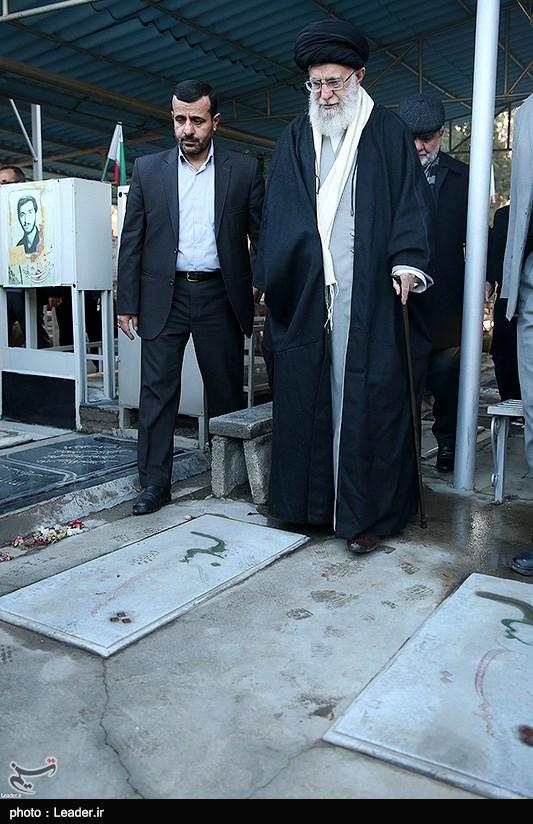 حضور رهبرمعظم انقلاب در مرقد مطهر امام خمینی(ره) و گلزار شهیدان