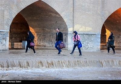 اصفہان: پانی کے جریان سے زایندہ رود کی رونقیں بحال