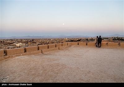 نارین قلعهی میبد یزد، یکی از بناهای تاریخی و باشکوه ایران کهن در دوران ساسانی است که معماری و هنر سازندگان آن، موجب تحسین باستانشناسان و تاریخدوستان شده است. این بنای کهن سال ۱۳۵۴ با شمارهی ۳۴۹۰ به ثبت ملی رسیده است.