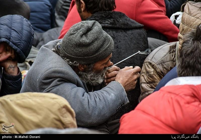 خیران از توزیع غذای گرم بین معتادان در معابر تهران پرهیز کنند