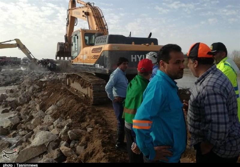 حضور ستاد اجرایی فرمان حضرت امام برای کمک به سیلزدگان رفیع در خوزستان