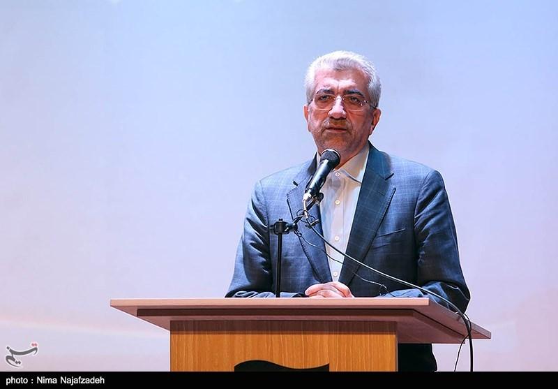 وزیر نیرو در کرمان: وضعیت بسیار خوبی در سطح کشور در آب و برقرسانی به روستاها داریم
