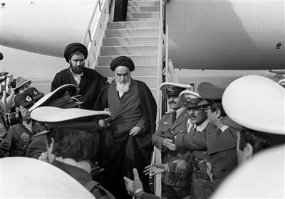 اسلامی جمہوریہ ایران کے رہبر کبیر حضرت امام خمینی (رہ) کی وطن واپسی