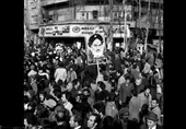 اسلامی جمہوریہ ایران کے رہبر کبیر حضرت امام خمینی (ری) کی وطن واپسی