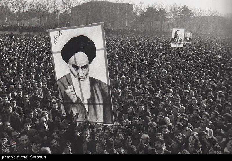 """بالصور .. الذکرى الـ 40 لإنتصار الثورة الاسلامیة الإیرانیة وبدء مراسم """"عشرة الفجر"""""""