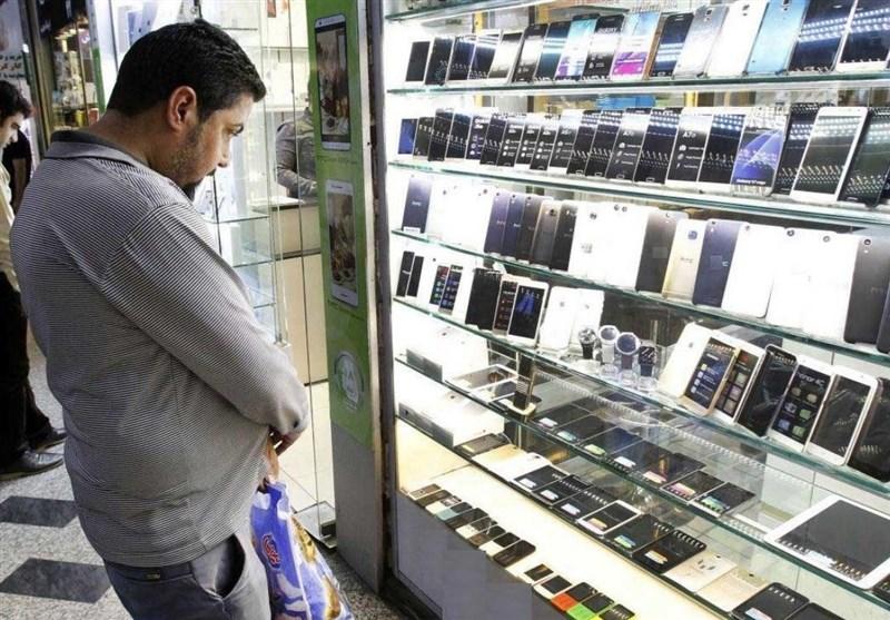 بازار بی ثبات با تداوم واردات گوشی مسافری/راه حل تشخیص صحت اطلاعات گذرنامه در رجیستری شفاف شود