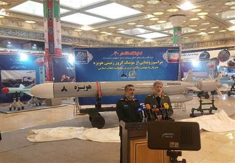 """جدیدترین موشک کروز زمینی ایران با نام """"هویزه"""" رونمایی شد"""