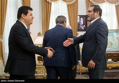 شمخانی یلتقی المعلم فی طهران