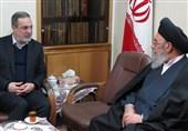 اصفهان| آیتالله طباطبایینژاد: صحیح نیست سبد کالا به مردم بدهیم اما بدهی معلمان را پرداخت نکنیم
