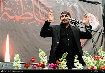 مداحی محمدباقر منصوری در تجمع هیئت های مذهبی دارالشهدای تهران منطقه 17 به مناسبت شهادت حضرت زهرا(س)