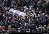 مراسم دسته عزاداری یاس کبود بمناسبت شهادت حضرت فاطمه الزهرا(سلام الله علیها) با تشییع دو شهید گمنام دفاع مقدس از مسجد شهید بهشتی خیابان نبرد به سمت میدان13آبان