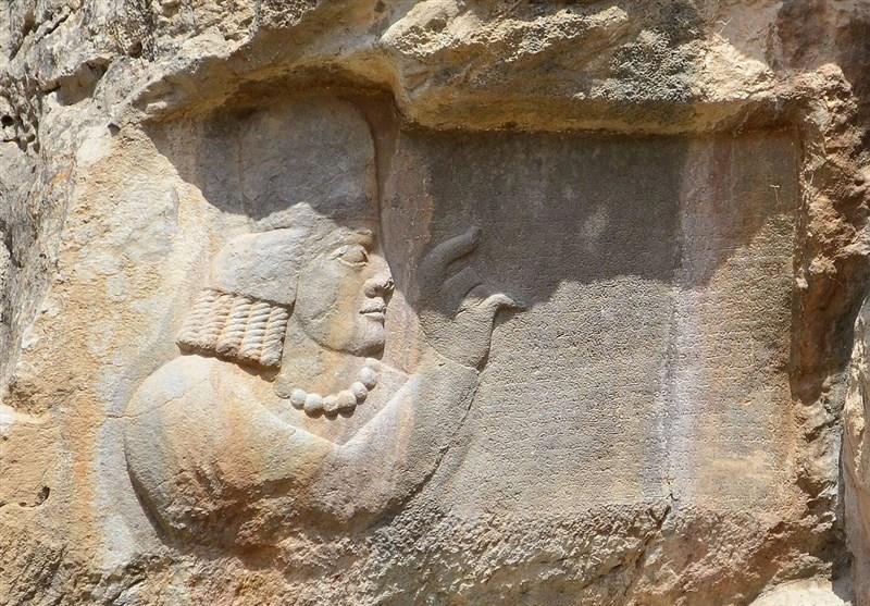 مهر یک ایرانی معروف که در کتابخانه ملی فرانسه نگهداری میشود