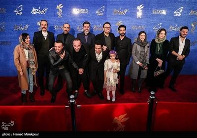 عوامل فیلم «ماجرای نیمروز، رد خون» در سیوهفتمین جشنواره فیلم فجر
