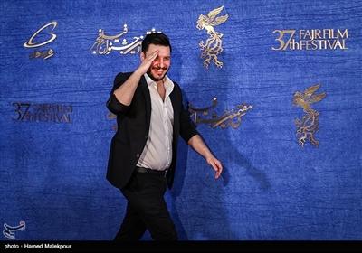 جواد عزتی بازیگر فیلم «ماجرای نیمروز، رد خون» در سیوهفتمین جشنواره فیلم فجر