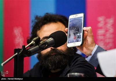ارتباط تصویری با مهران احمدی بازیگر فیلم «آشفتگی» در نشست خبری - سیوهفتمین جشنواره فیلم فجر