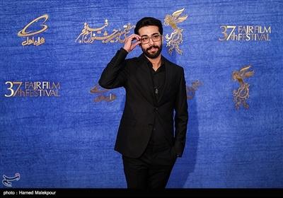 حسین مهری بازیگر فیلم «ماجرای نیمروز، رد خون» در سیوهفتمین جشنواره فیلم فجر
