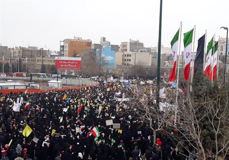 راهپیمایی 22 بهمن 97|گروه سرود 1397 نفره دانش آموزان تهرانی در راهپیمایی 22 بهمن