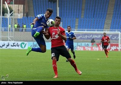 دیدار تیمهای فوتبال پدیده و استقلال خوزستان