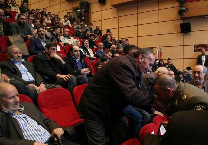 فریاد «الله اکبر» خانواده شهدا در چهل سالگی انقلاب+ تصاویر