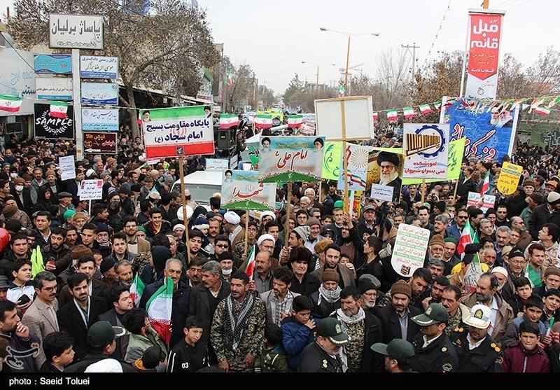 بهمن تماشایی 97| مظفر: مردان و زنان ایرانی با مشت های گره کرده جهان را شگفت زده کردند