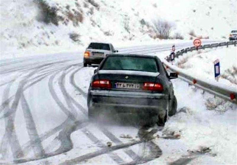 محورهای مازندران لغزنده است؛ ترافیک در مبادی ورودی شهرها