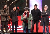 سعید روستایی کارگردان فیلم «متری شش و نیم» در مراسم اختتامیه سیوهفتمین جشنواره فیلم فجر