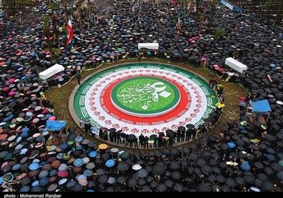 الملایین فی إیران یحیون ذکرى إنتصار الثورة الإسلامیة