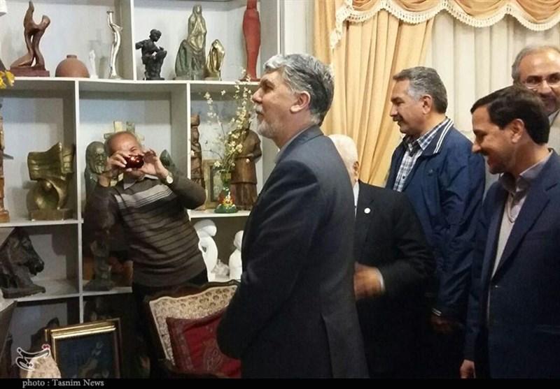 وزیر ارشاد با هنرمند مجسمهساز کرمانی دیدار کرد+تصاویر