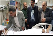 سخنگوی وزارت بهداشت از مصدومین حادثه تروریستی زاهدان عیادت کرد+ تصاویر