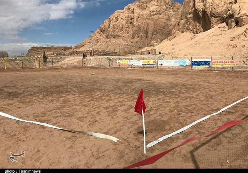 100 زمین فوتبال در روستاهای پرجمعیت استان مرکزی احداث میشود