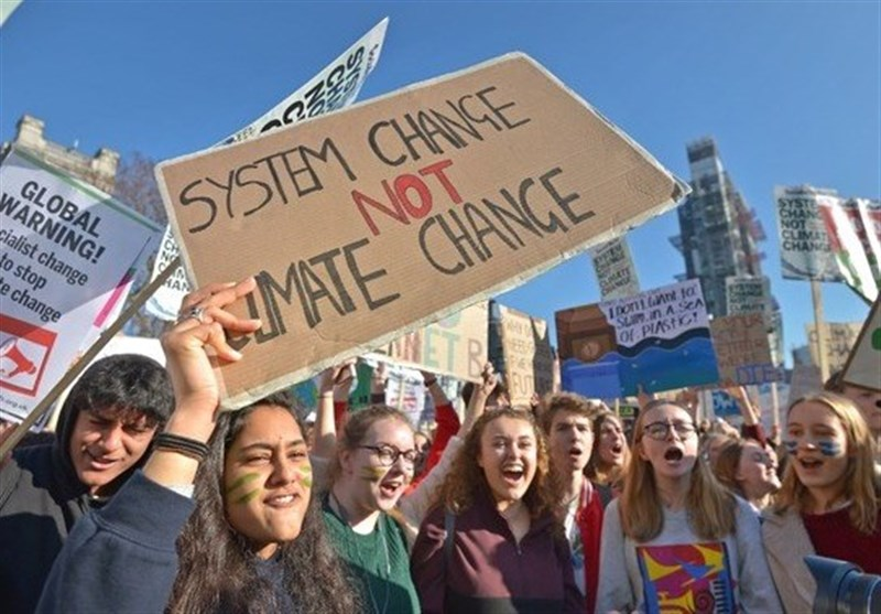Thousands of UK Students Protest Global Warming Policies in Nation-Wide Strike (+Video)