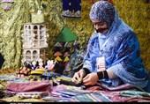 هنرمندان صنایع دستی در رونق تولید سهیم هستند