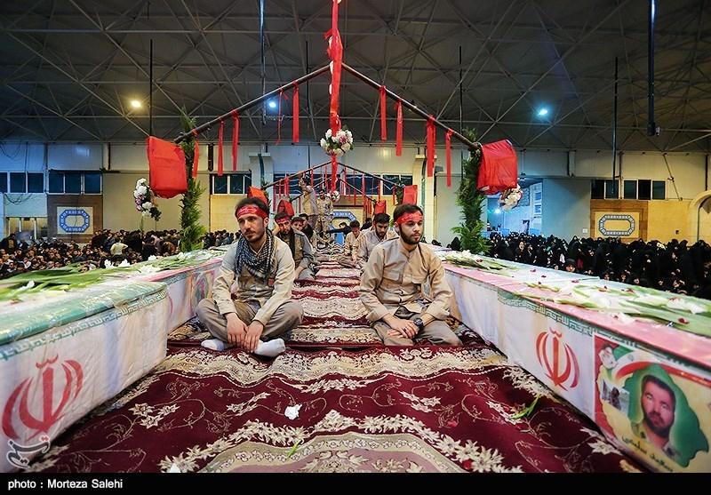 میدان بزرگمهر اصفهان عاشورایی شد؛ تشییع پیکر شهدا با چشمهای گریان مردم