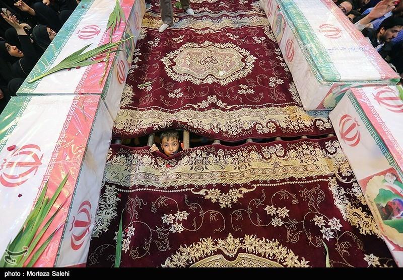 اصفهان| وداع مادران سربلند با سربازان وطن؛ تو به آرزویت رسیدی من با دلتنگیام چه کنم