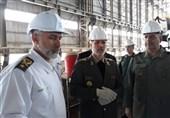 وزیر دفاع: توسعه و تجهیز ناوگان دریایی ارتش و سپاه با قدرت پیگیری میشود