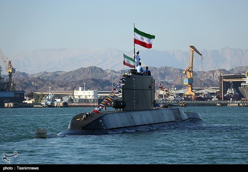 حضور زیردریایی فاتح و ناوشکن سهند در رزمایش ولایت 97
