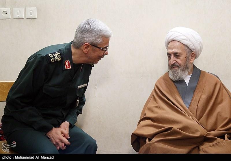 دیدار سرلشکر باقری رئیس ستاد کل نیروهای مسلح با آیت الله سبحانی