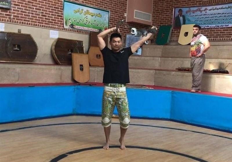 گفتوگو با مربی چینی که برای یاد گرفتن ورزش زورخانهای به ایران آمد