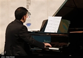 تکنوازی پیانو هوشیار خیام در تالار وحدت