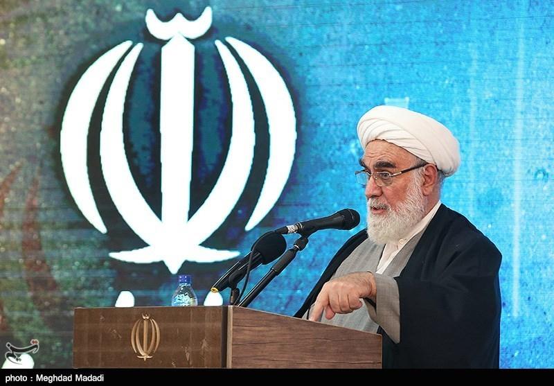 حجت الاسلام محمدی گلپایگانی: مسیر انقلاب اسلامی را با اقتدار پیش میبریم